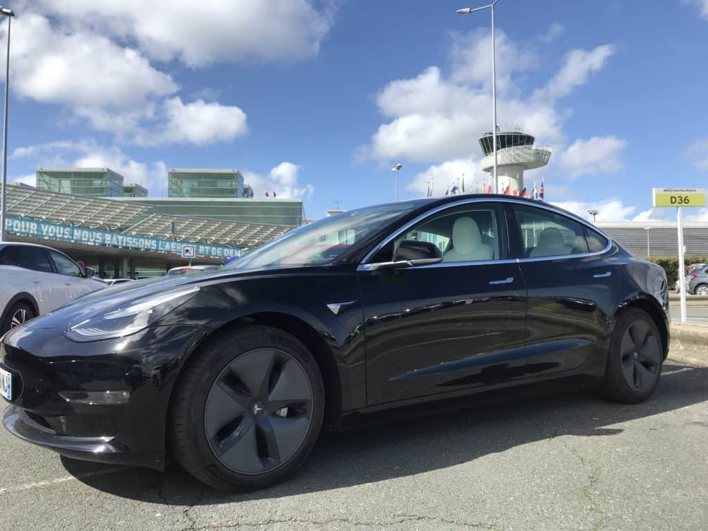 Tesla Model 3 au départ de Paris pour Giverny